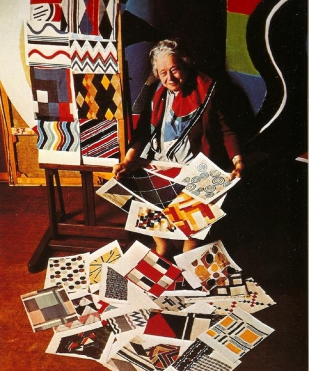 Sonia Delaunay with her textile designs