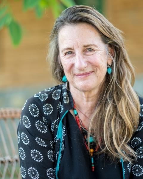 Elaine Kingett copy