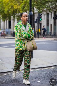 How to wear clashing prints