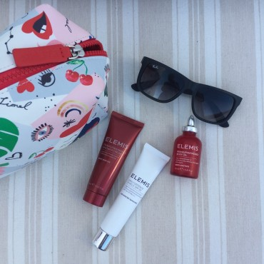 The best beauty travel bag