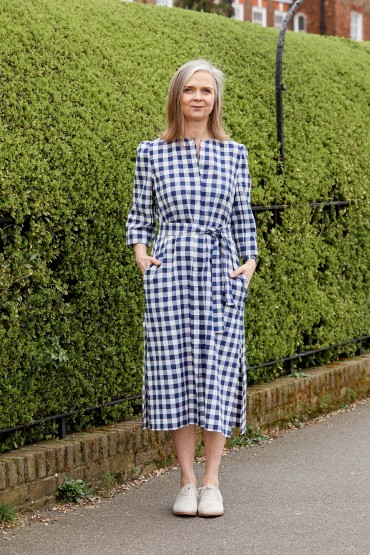 Straightforward summer dresses with sleeves